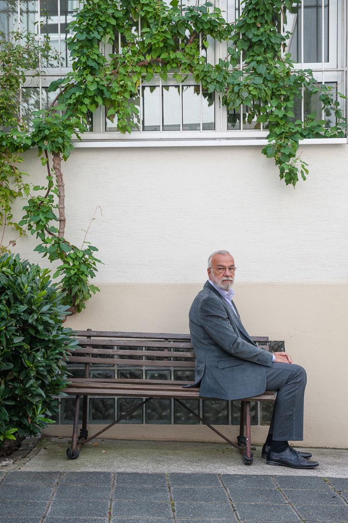 Dr. Arnold Retzner, Arzt und Psychotherapeut