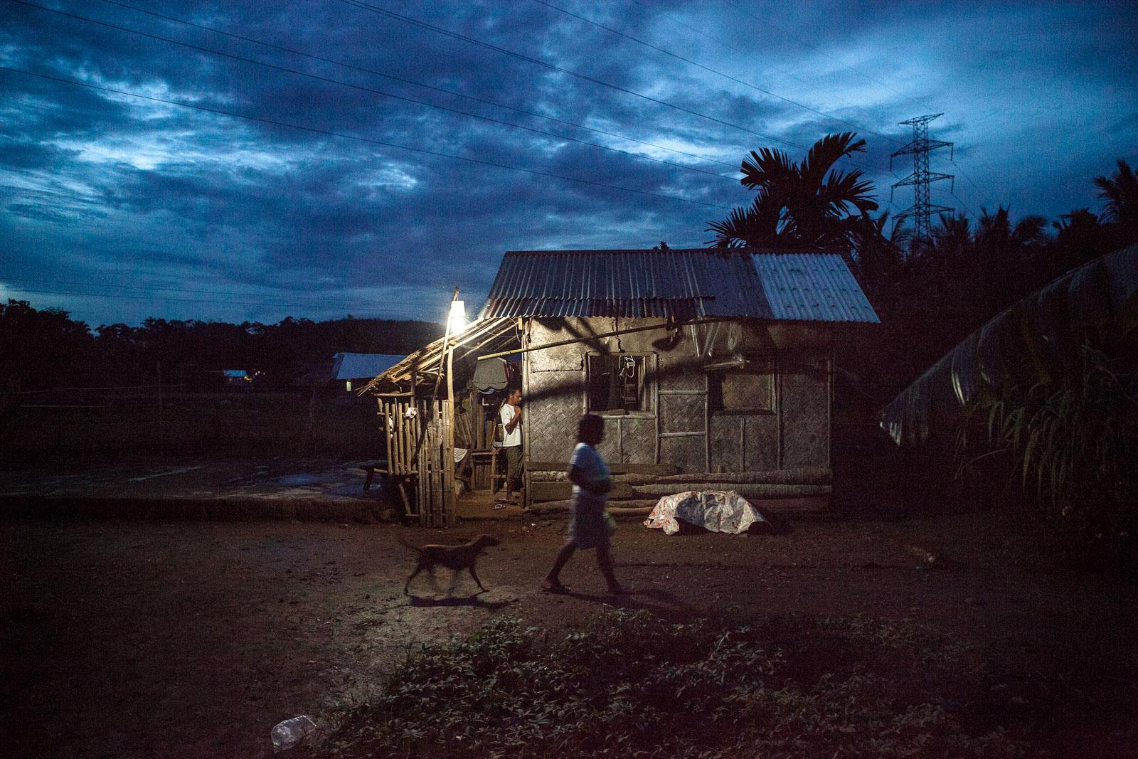 Abendstimmung im Dorf der Minenarbeiter
