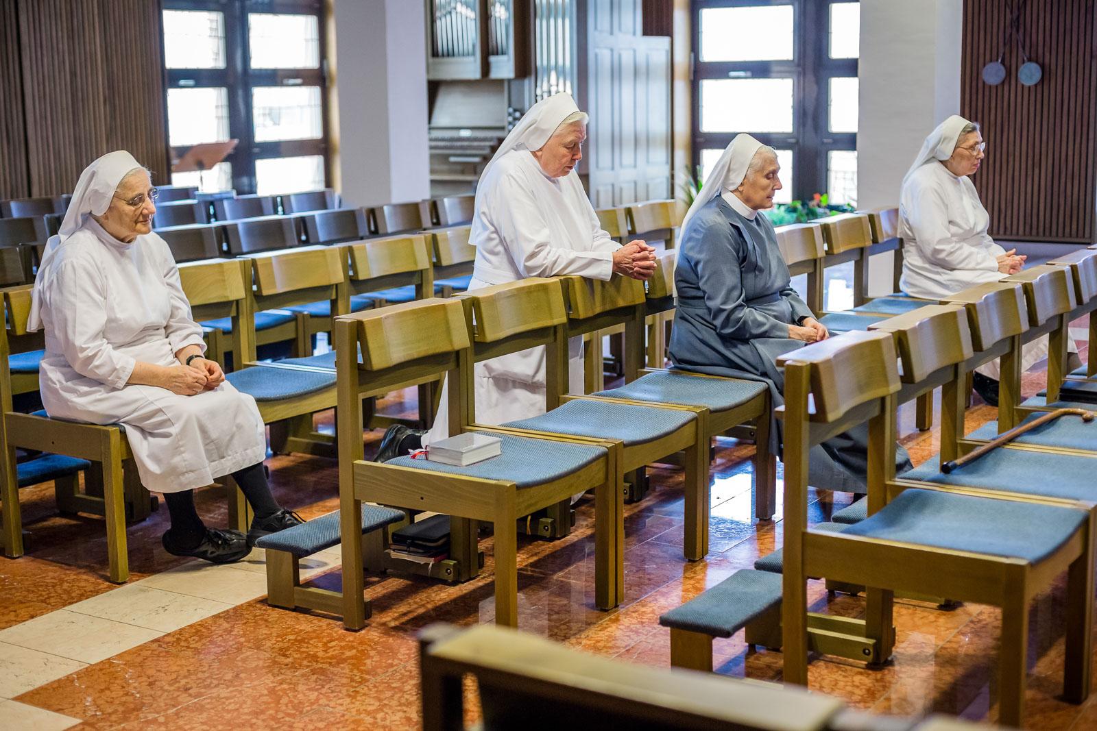 Gebet in der Kapelle