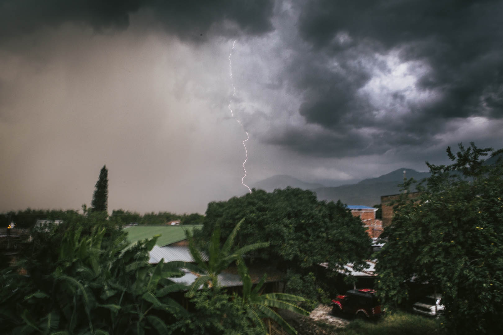 Gewitter über Corinto