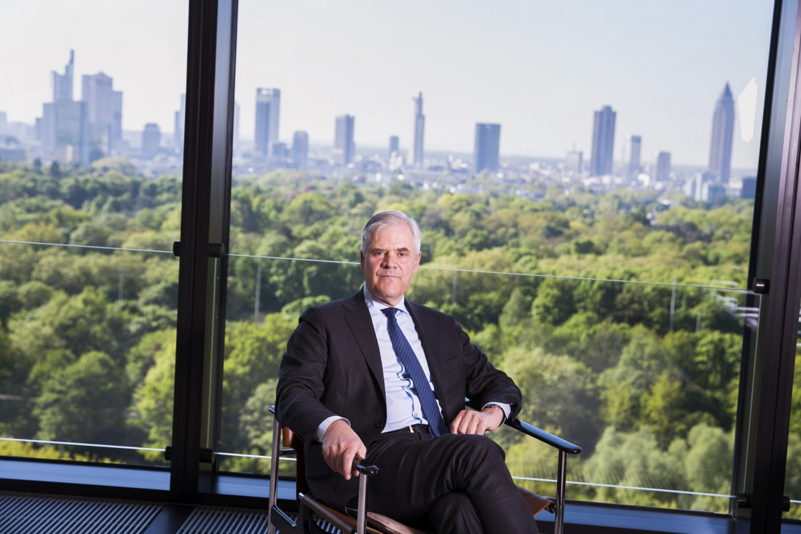 Andreas Raymond Dombret, Bankmanager
