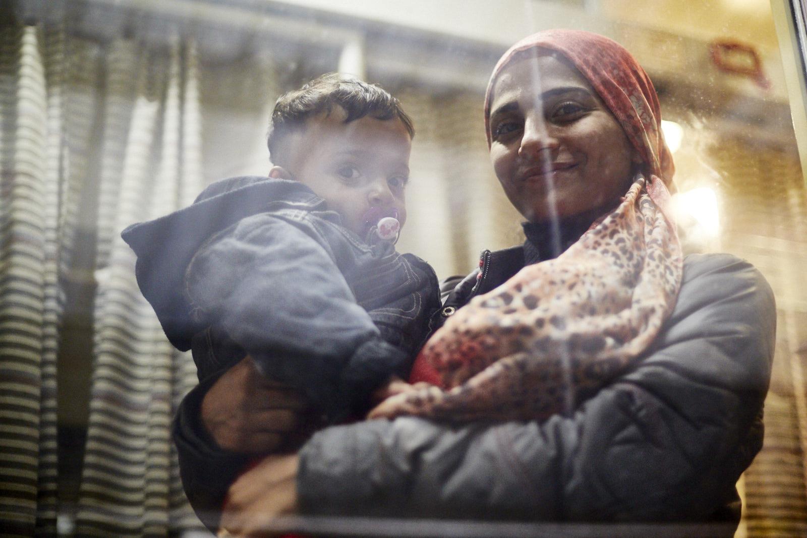 Junge Frau mit ihrem Kind