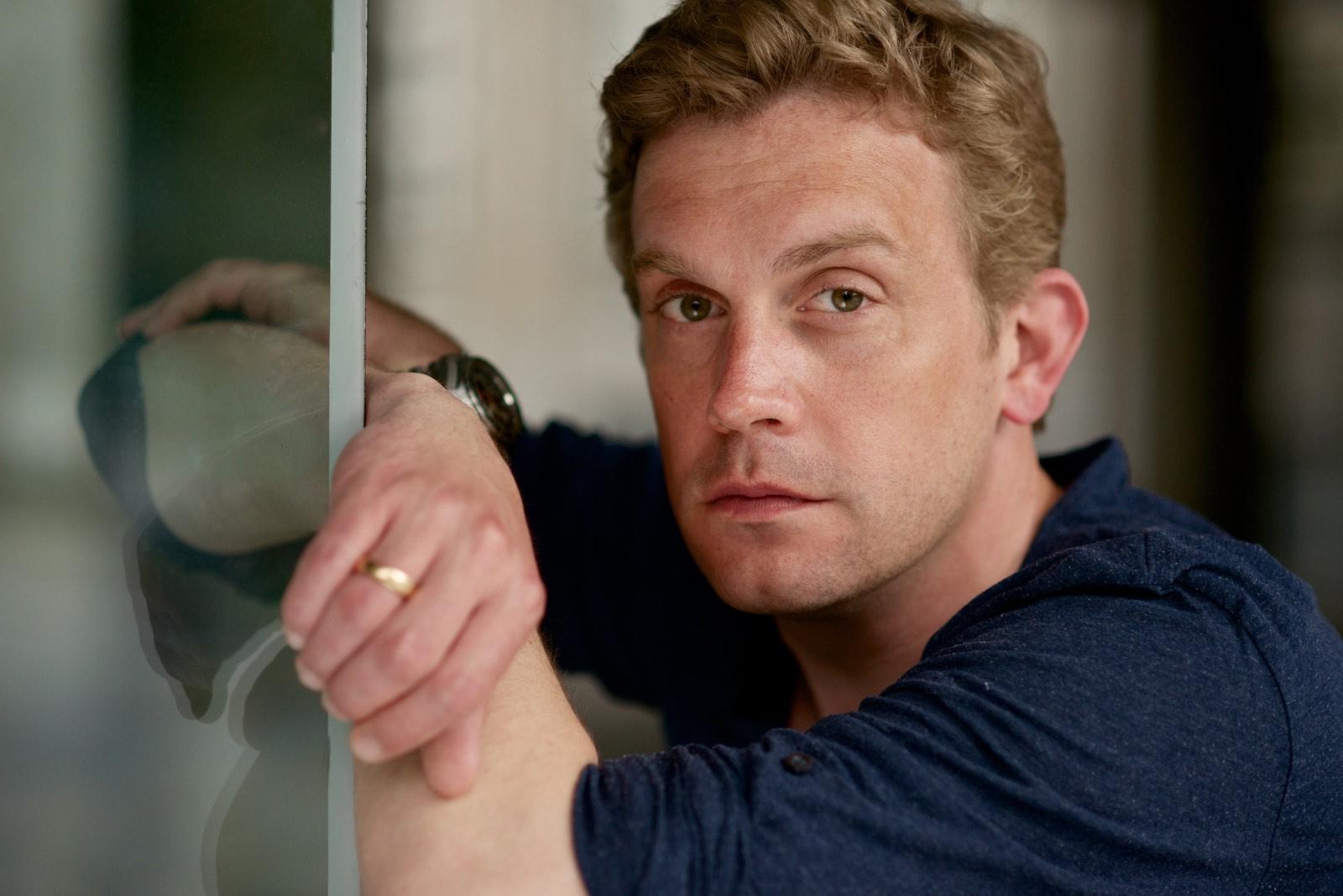 Sebastian Bezzel, Schauspieler