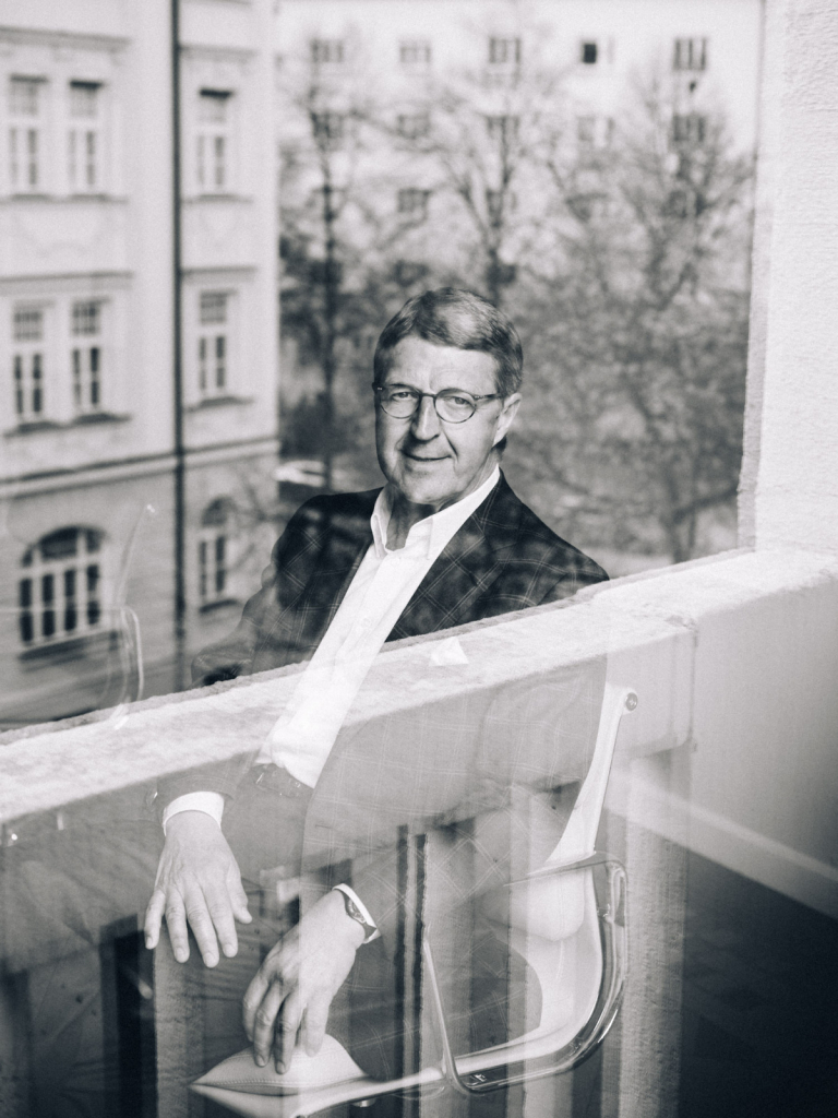 Eckhard Cordes, Manager