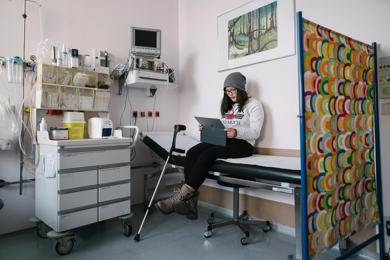 Marisol wartet auf ihre Behandlung