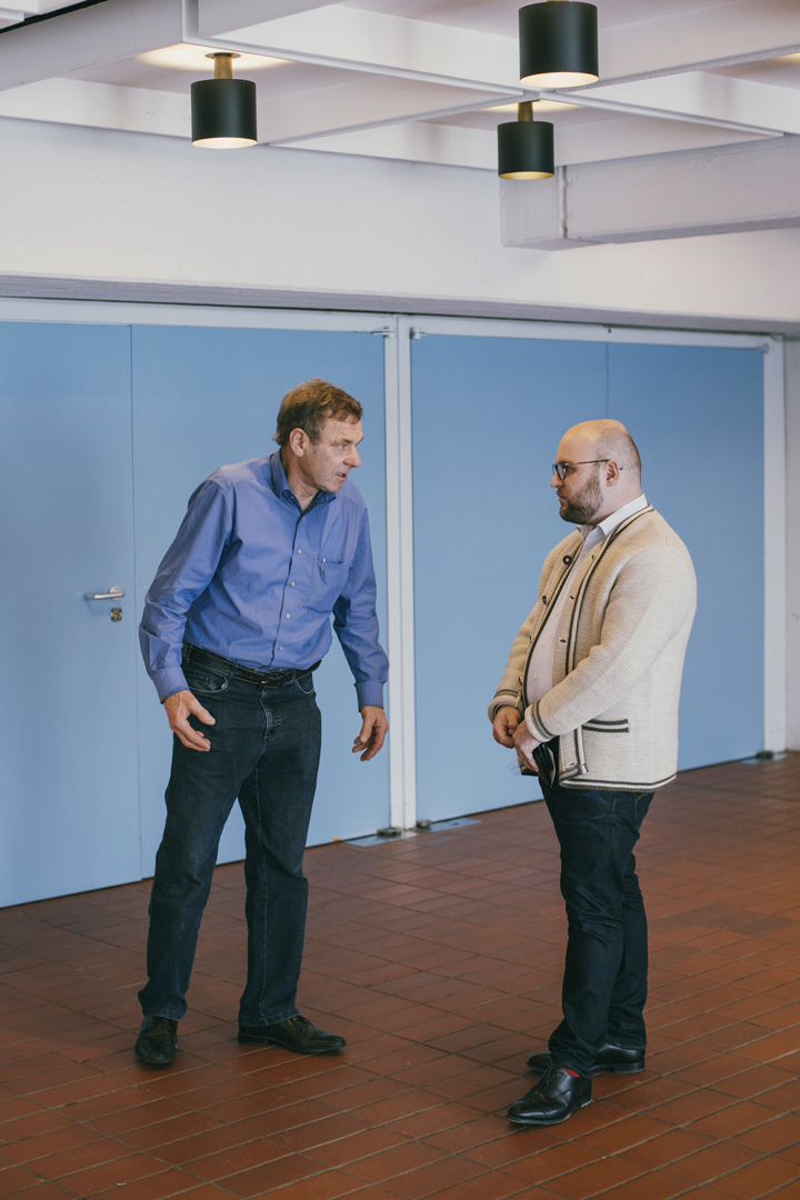 Markus Frohnmaier und Besucher einer Wahlkampfveranstaltung