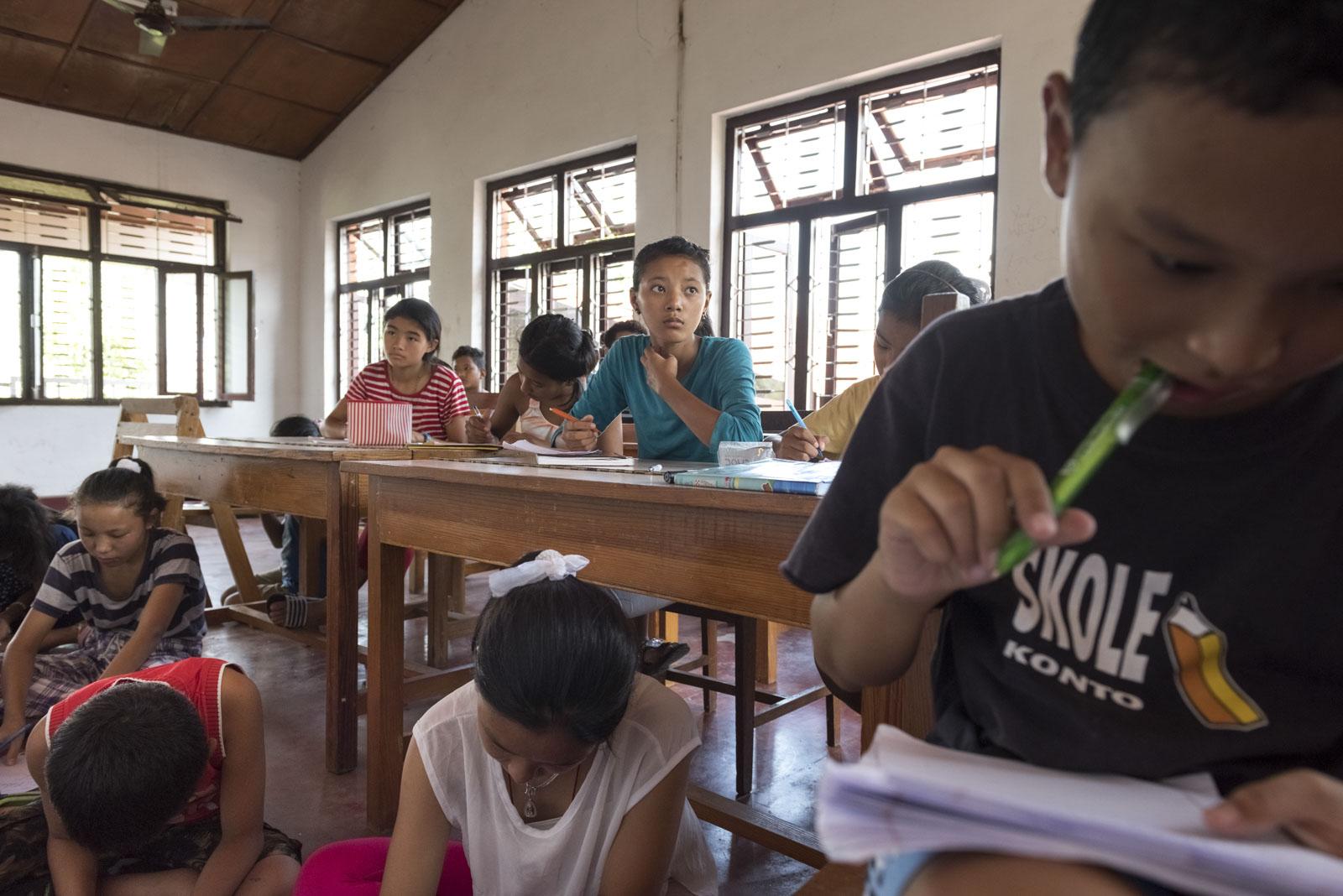 Tenzin Shakya und Nyima Bhuti, geflüchtete Schüler