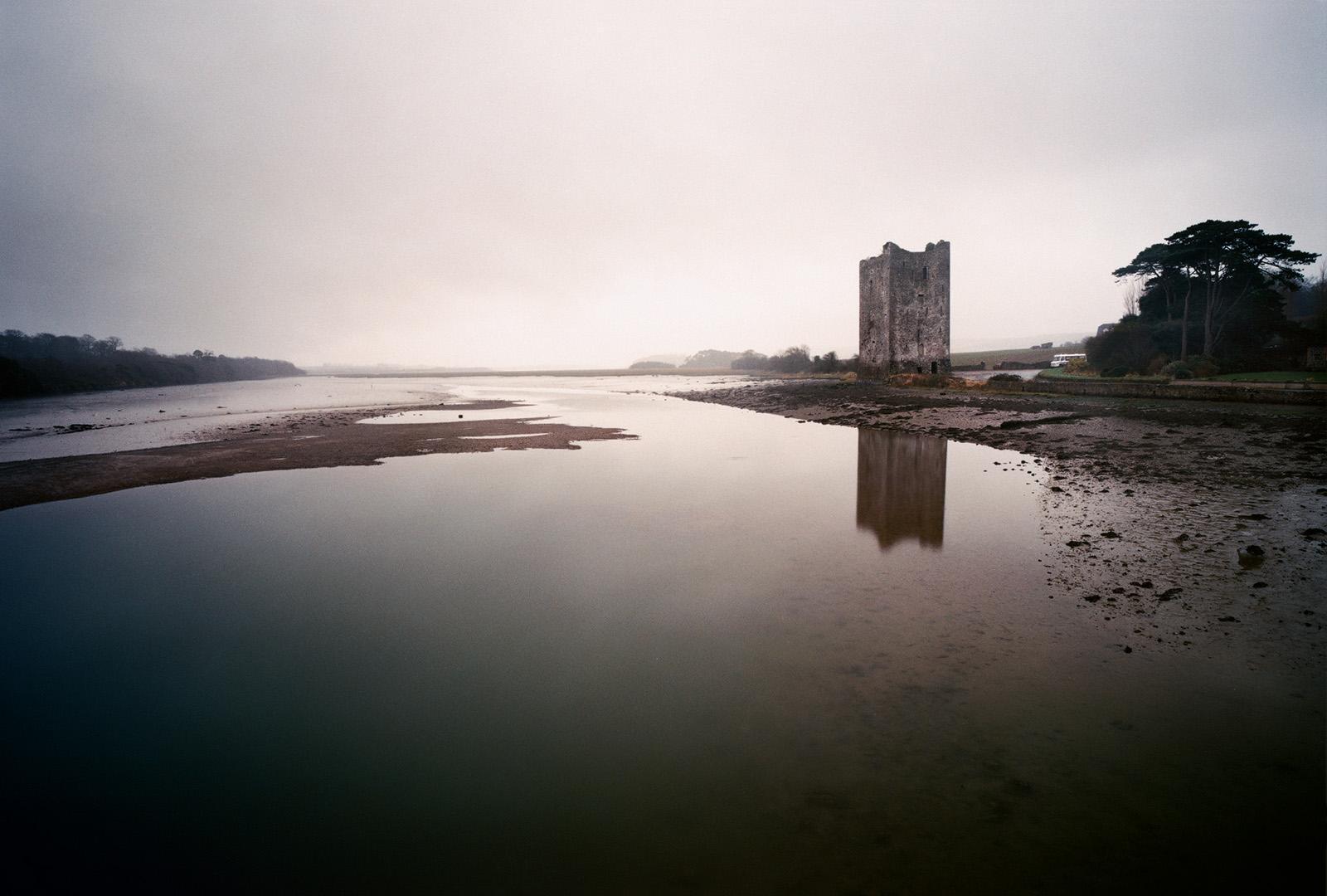 Die Ruine von Belvelly Castle im County Cork
